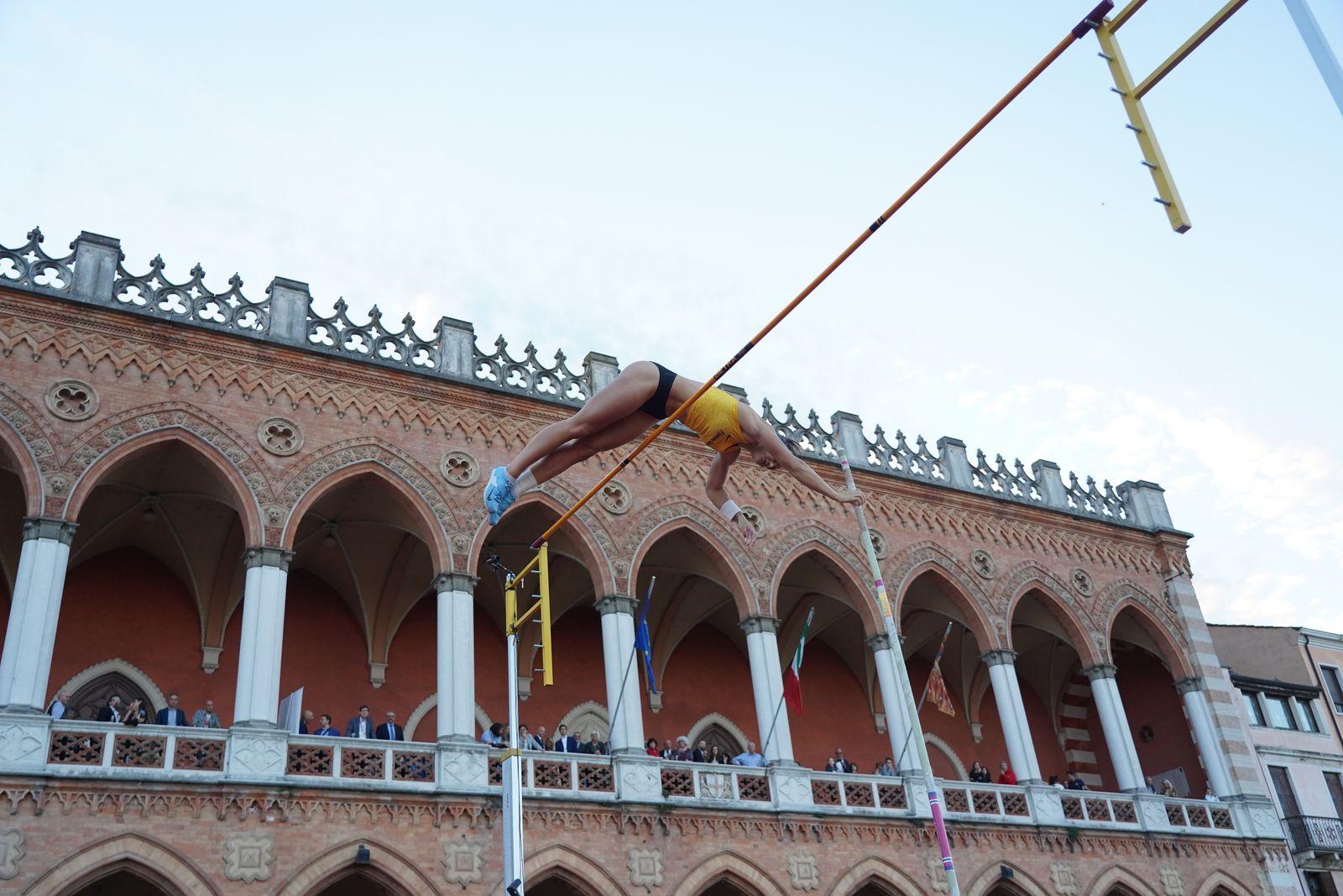 Calendario Aste Padova.Salti In Piazza Peinado E Malavisi Volano Su Padova Fidal